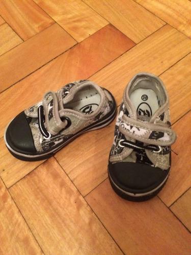 zapatillas bebe nuevas!!