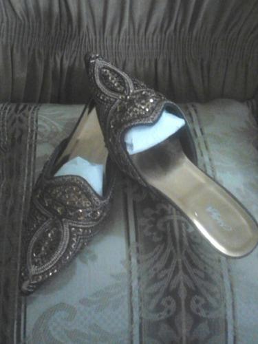 zapatillas bordadas en piedreria fina, talla 38, nuevas