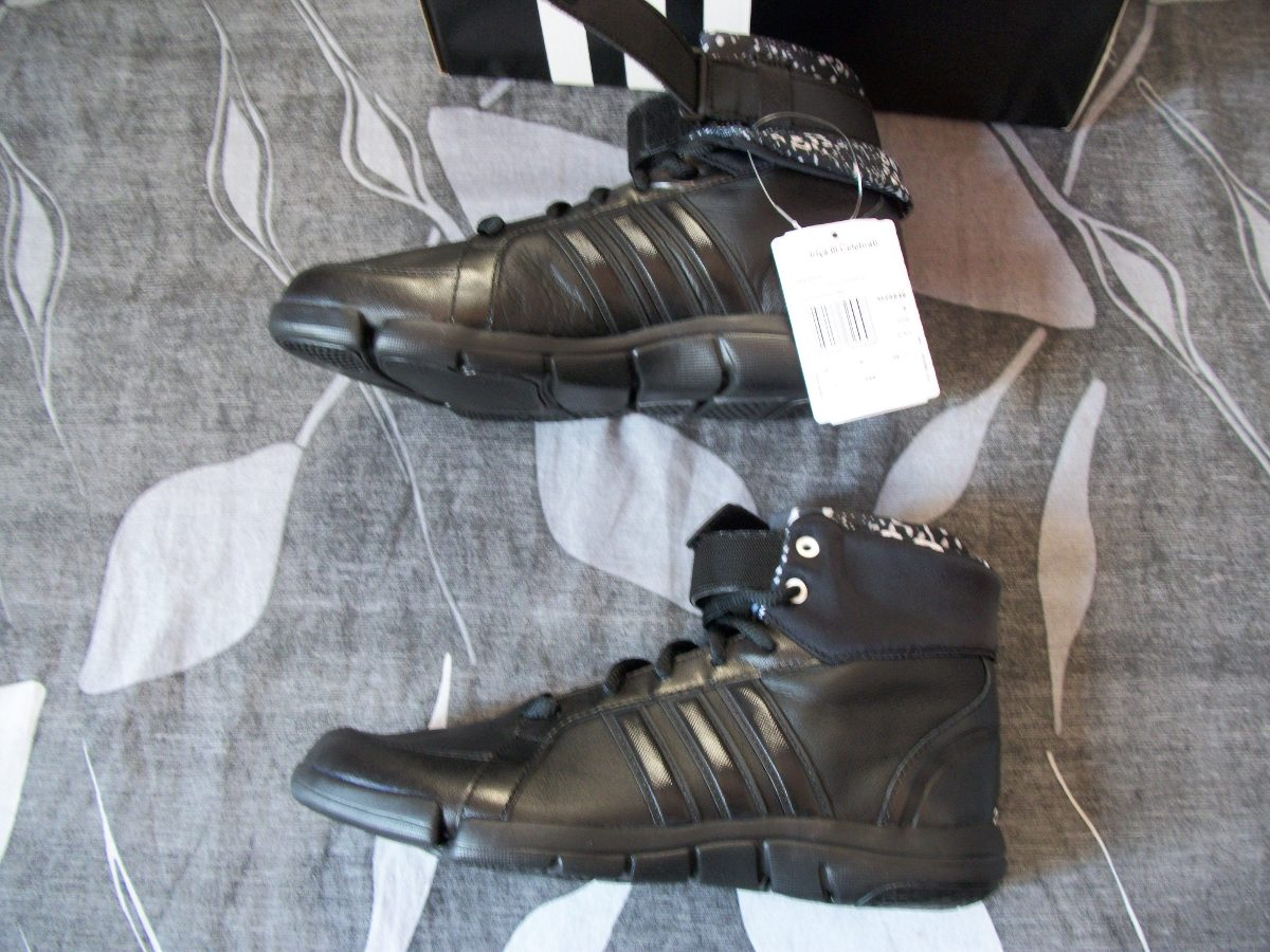 ee74b0e1438 zapatillas botitas adidas de mujer iriya iii celebration. Cargando zoom.