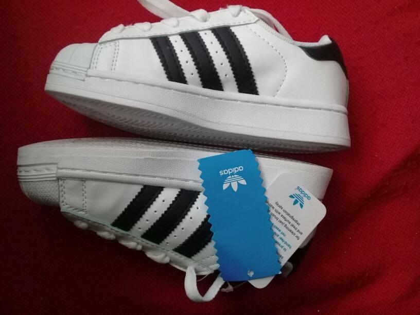 newest c795d 34d3c zapatillas care perro adidas. Cargando zoom.
