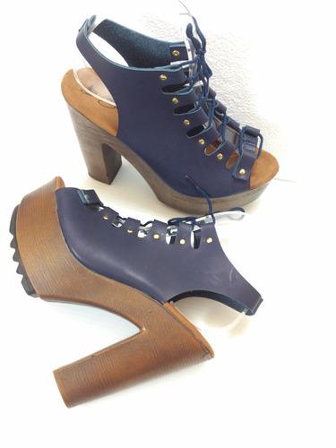 zapatillas color azul marino, con agujetas, moda tacón 13cm