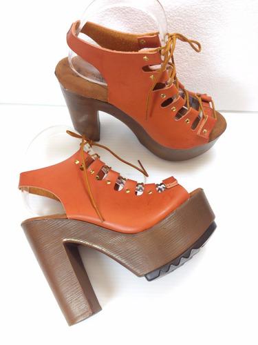 zapatillas color camel, con agujetas, moda tacón 13cm