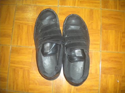 zapatillas con abrojo talle 43