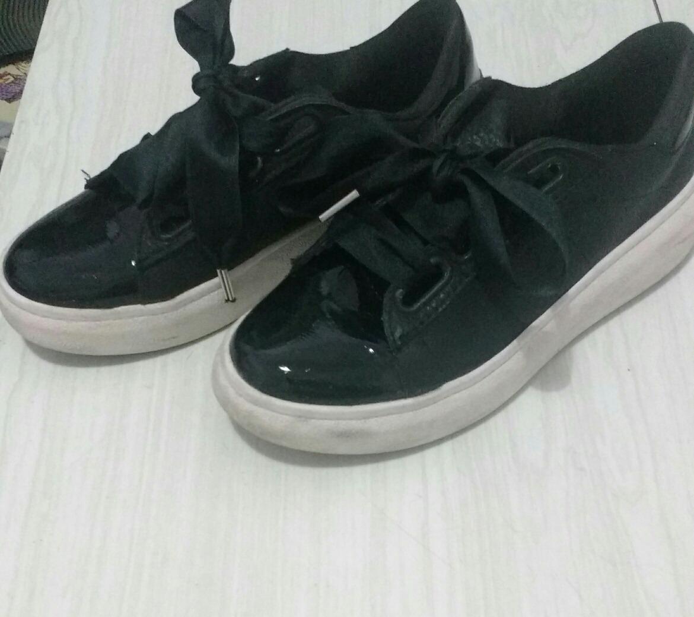 74334e3536668 zapatillas con cordones anchos. Cargando zoom.