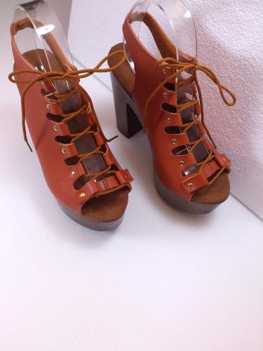zapatillas con tacón
