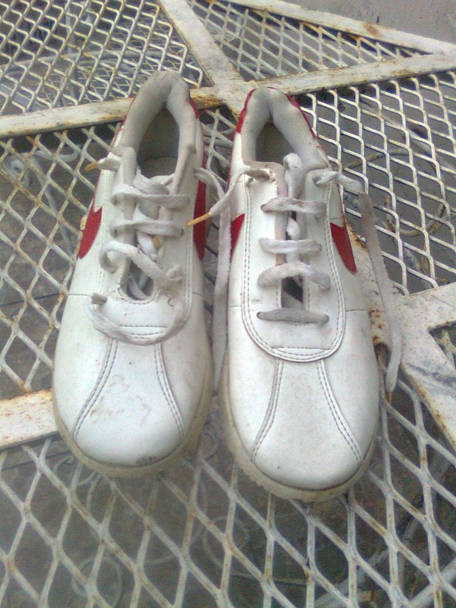 Zapatillas Cuerina Blanca 3738 Estilo Nike $ 400,00