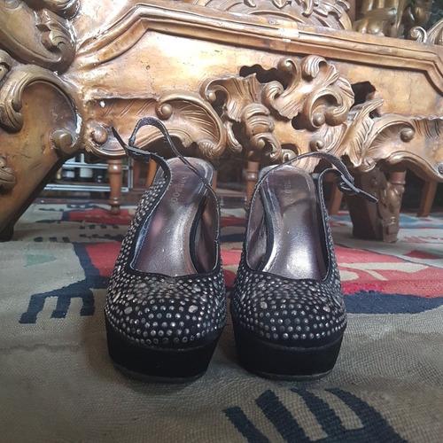 zapatillas dama negras con piedras metálicas