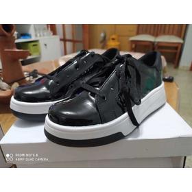 Zapatillas De Charol Negras