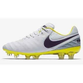 7b71b0c043ecd Zapatillas Baby Futbol Nike Tiempo - Deportes y Fitness en Mercado Libre  Chile