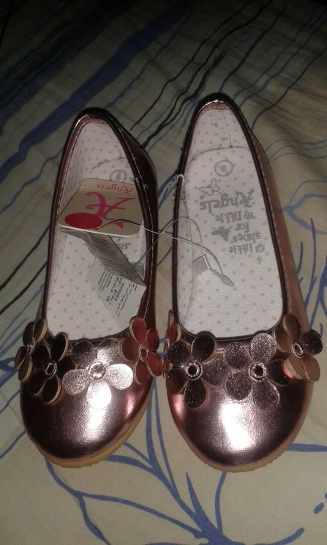 3baf388c Zapatillas De Niña Color Rosado Con Detalles De Rosas. - Bs. 225.000 ...