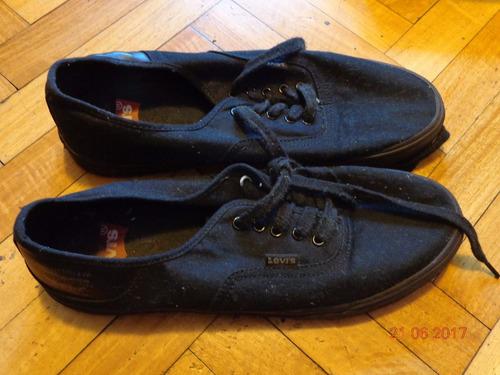 zapatillas levi´s negras talle 43 usadas en muy buen estado