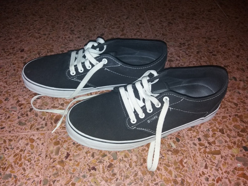 zapatillas marca vairo , solo una vez de uso !!! impecables