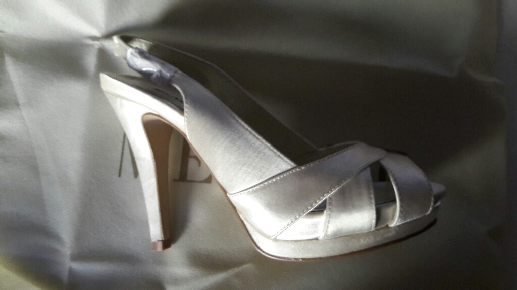 5632bf84 zapatillas menbur de novia color ivory pumps boda envio grat. Cargando zoom.