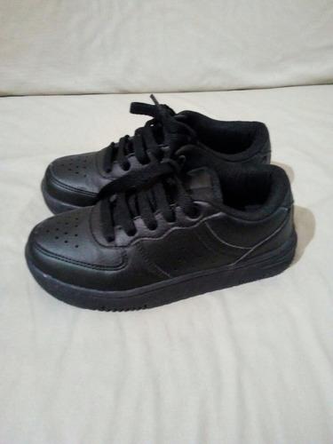 zapatillas negra talle 31 nueva sin uso