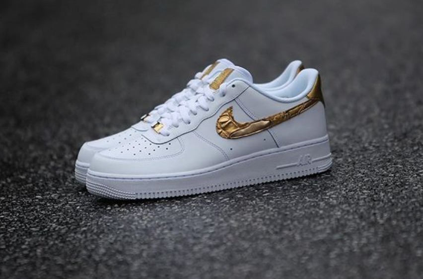 626e9ba97dd zapatillas nike air force 1 cr7 golden patchwork 2018. Cargando zoom.