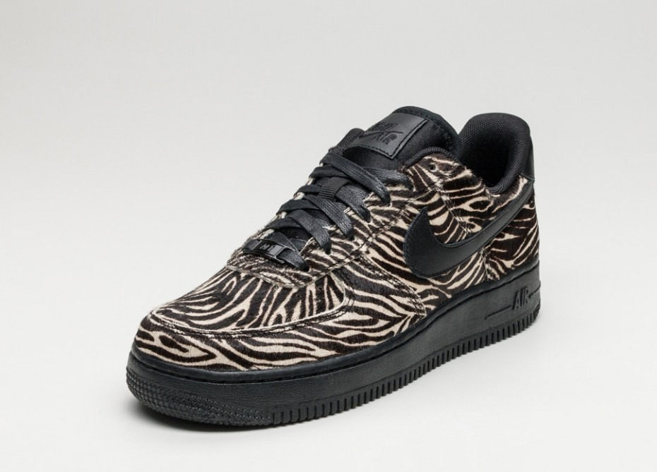 a81e43b035474 ... new style zapatillas nike air force 1 low lx negro sail 2017. cargando  zoom.