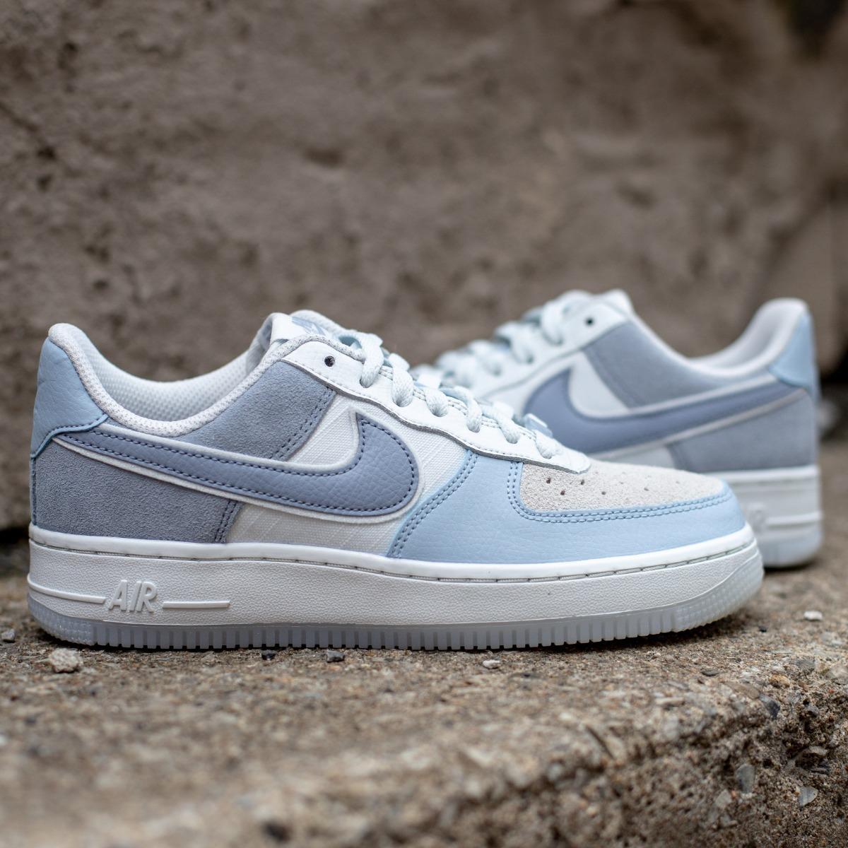 Zapatillas Nike Air Force 1 Low Premium Celeste Y Gris Dama