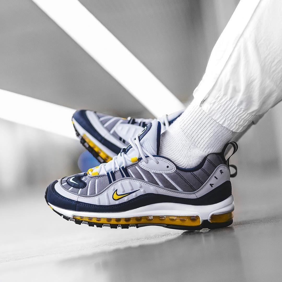 Nike Air Max 98 amarillo
