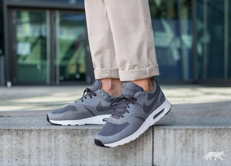 Zapatillas Nike Air Max Vision Plomo Cool Grey