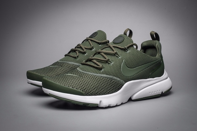 c9a92fd01 Zapatillas Nike Air Presto Fly Wire  verde Militar - S  399