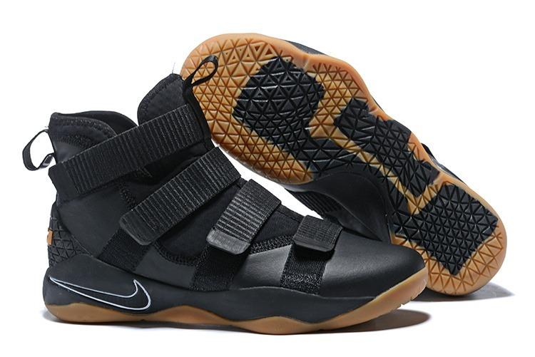 Nike LeBron Hombre