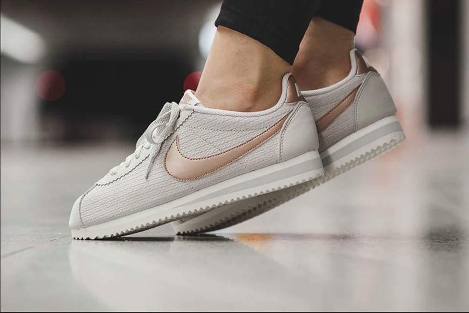 c7036f9259b Zapatillas Nike Cortez Mujer -   3.600