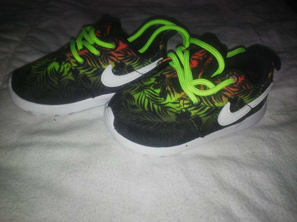 zapatillas nike negras y verdes