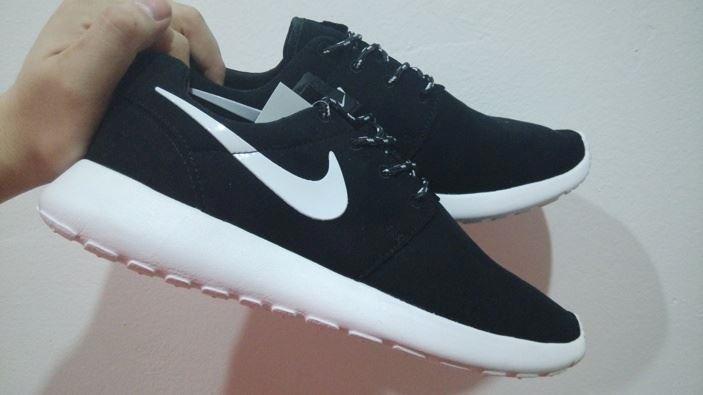 9bb6724e739f0f Zapatillas Nike Roshe Run Nuevas Caja Envios A Todo El Peru - S  120 ...