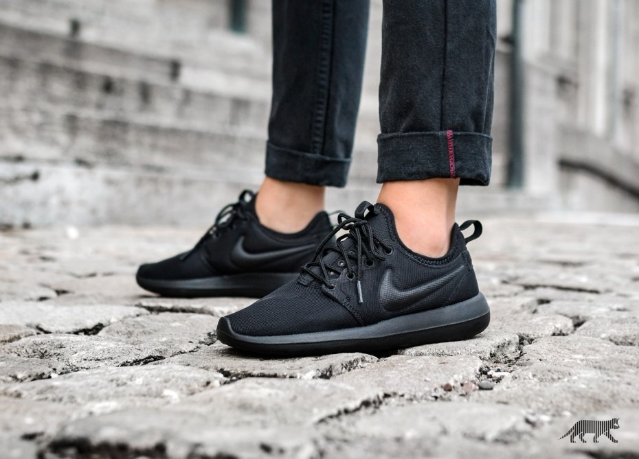 f8873ac8c1f Zapatillas Nike Roshe Run Two Dos Todo Negro Original 2018 - S  360 ...