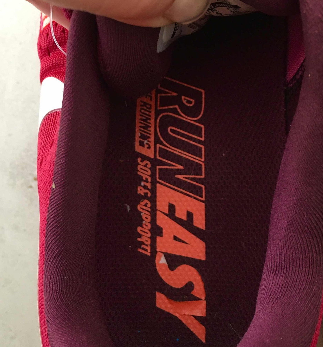 0ee91311bc4905 Zapatillas Nike Runeasy . Zoom Vomero 11 Talle 39.5 -   1.500