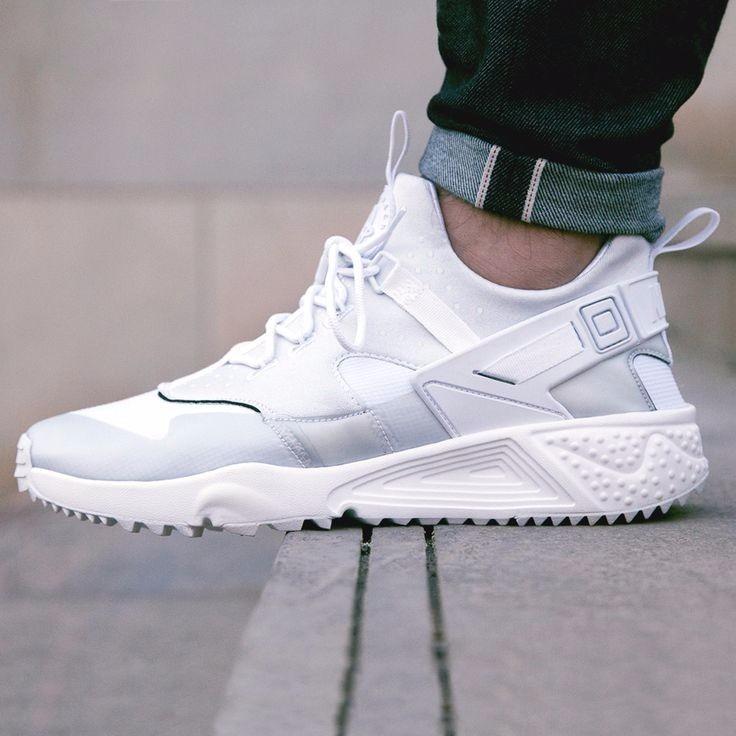 Nike Air Huarache blancas