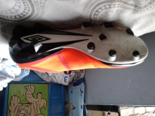 zapatillas originales(chimpunes)umbro classico v tf