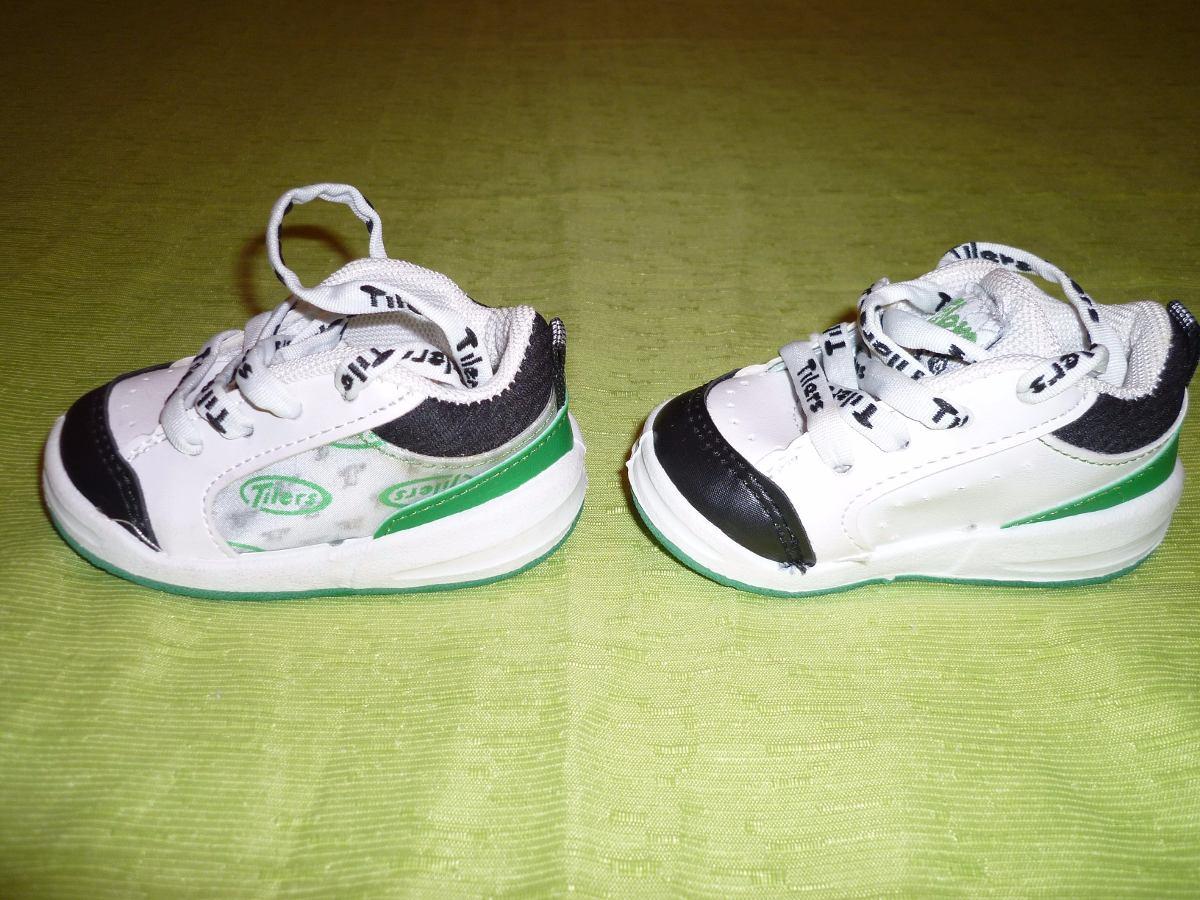 Descubre toda nuestra gama de zapatillas deportivas infantiles para bebés desde el número 19 hasta el 28 desde 7,99€. Envío gatuito en tiendas.