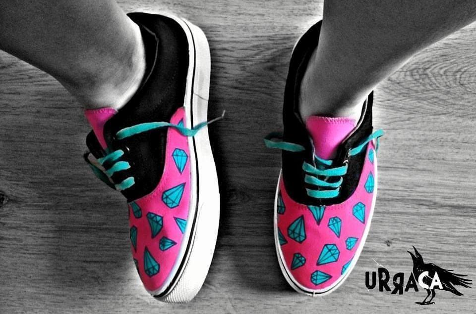 ===Mis zapatillas tienen vida=== - Página 2 Zapatillas-pintadas-a-mano-D_NQ_NP_480611-MLA20600864916_022016-F