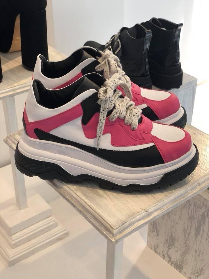 370c1fd15f8 zapatillas plataforma tipo balenciaga cuero fucsia 2018. Cargando zoom.