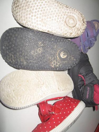 zapatillas por tres para niños