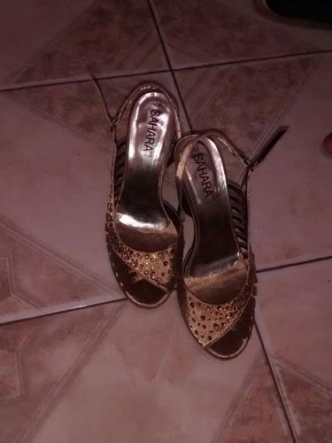 zapatillas sahara seminuevas.!