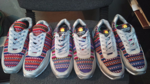 zapatillas sneakers con manta andina