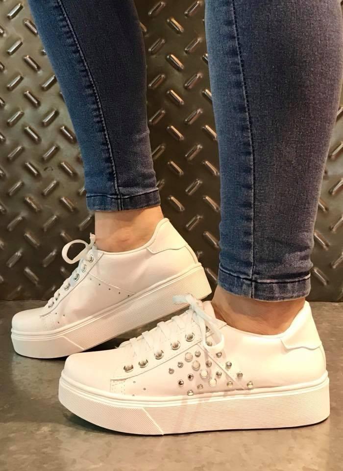 18e749cd6 Características. Marca Calzados s.s.  Modelo 05.04  Género Mujer  Estilo  Urbano  Material del calzado Eco cuero  Tipo de calzado Zapatilla
