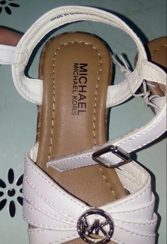zapatillas y chalitas
