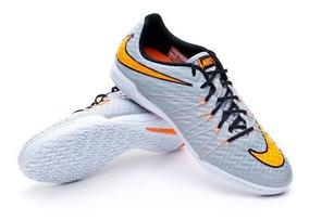 Zapatillas Y Chimpunes Marca Nike Para Jugar Futbol