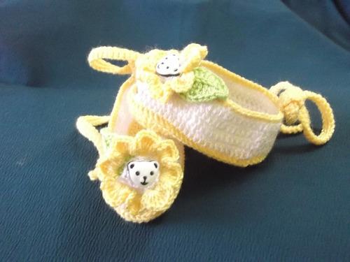 zapatitos tejidos de hilo a  mano para bebe el regalo ideal