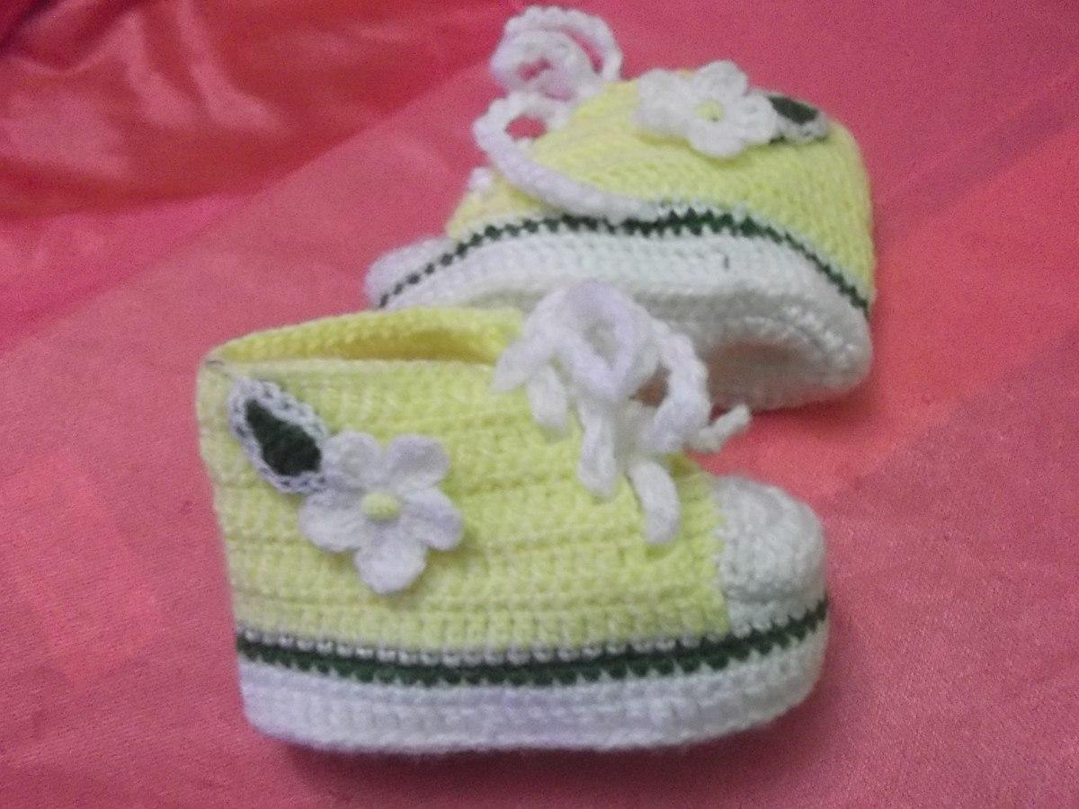 zapatitos y gorritos en juego tejidos a crochet para bebe. Black Bedroom Furniture Sets. Home Design Ideas