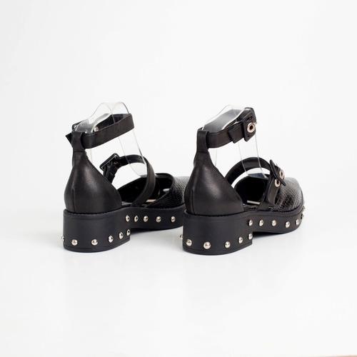 zapato bajo de cuero. art gava t/c. otro calzado