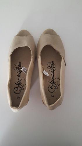 zapato beige