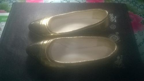 zapato chatita dorado. casi nuevo. oportunidad.