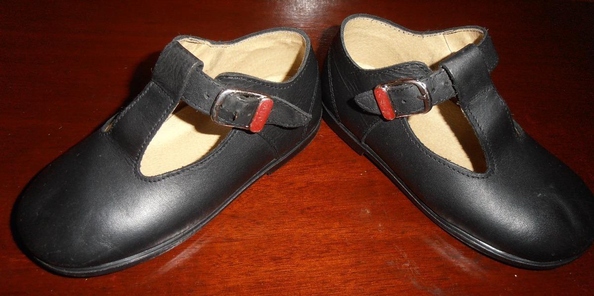 3851e69c563 zapato colegial de niña talla 24. Cargando zoom.