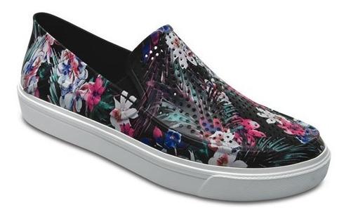 zapato crocs dama roka graphic slip on negro