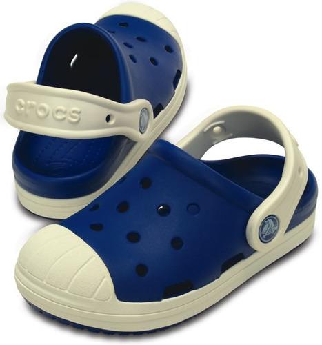 zapato crocs infantil bumper toe clog azul rey / blanco