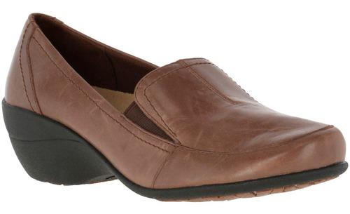 zapato cuero kana slip on  café hush puppies